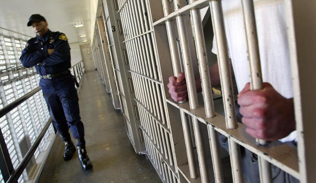 Coronavirus: Medically vulnerable prisoners in Colorado take legal action