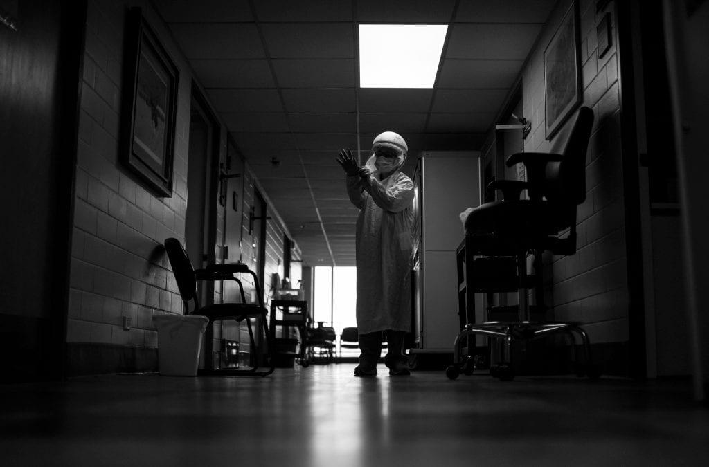 Coronavirus pandemic's third wave threatens to flood Colorado hospitals