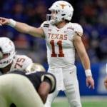 Texas senior quarterback Sam Ehlinger exits Alamo Bowl vs. Colorado with shoulder injury - CBSSports.com