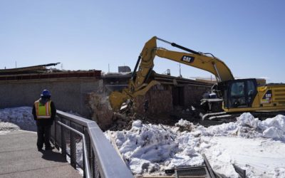 Crews begin demolition of Pikes Peak Summit House   OutThere Colorado