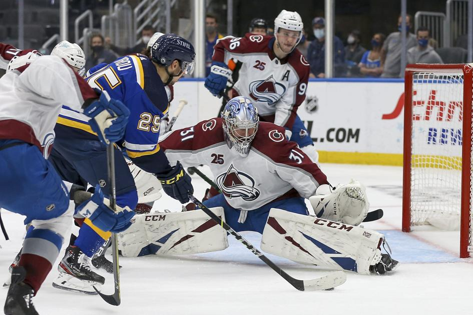 Graves, Newhook stars of Game 3 as Colorado Avalanche put St. Louis Blues on brink of elimination